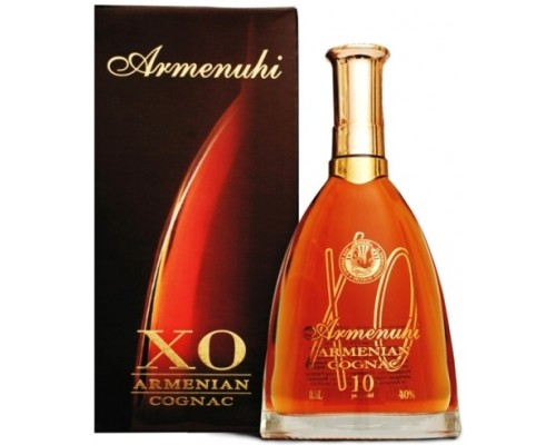 Коньяк Armenuhi XO 10 Years Old gift box 0.5 л
