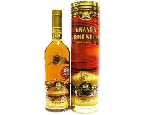 Коньяк Grands Armeniens 3 years old gift tube 0.5 л
