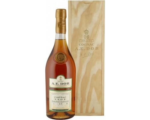 Коньяк A.E. Dor VSOP Rare Fine Champagne wooden box 1.5 л