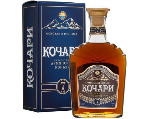 Коньяк Kochari 7 Years Old gift box 0.5 л