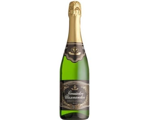 Игристое вино Российское шампанское полусладкое