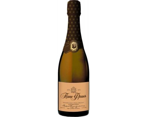 Игристое вино Новый Свет Пино Фран брют