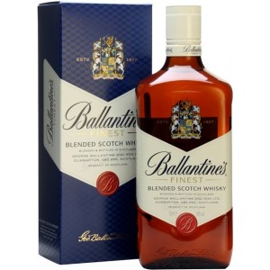 Виски Ballantine's Finest gift box 0.7 л