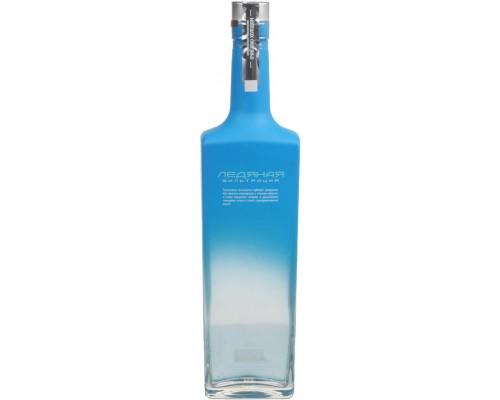 Водка Pisco Mistral Especial gift box 0.75 л