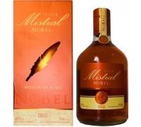Водка Pisco Mistral Nobel gift box 0.75 л